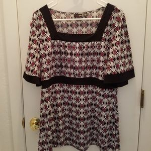 East 5th size Large Top black purple top